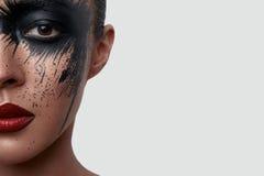 Meio retrato da cara da mulher com composição criativa Imagens de Stock