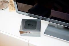 Meios de tevê novos de Apple que fluem o microconsole do jogador Foto de Stock Royalty Free