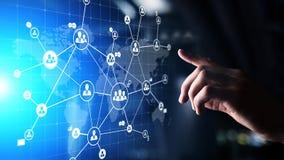 Meios mistos, hora, recursos humanos e recrutamento global, conceito de externalização na tela virtual foto de stock royalty free