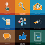 Meios, seo & comércio eletrônico introduzindo no mercado, sociais - ícones do vetor do conceito Fotos de Stock Royalty Free