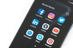 Meios sociais no dispositivo de Android Imagens de Stock Royalty Free