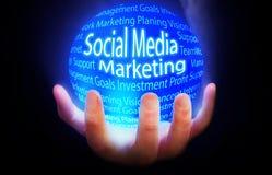 Meios sociais que introduzem no mercado o plano azul do fundo ilustração stock