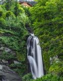 Meiringen i Schweiz är ett måste går område Fotografering för Bildbyråer