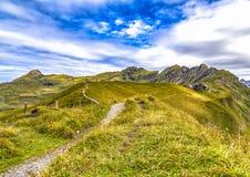 Meiringen i Schweiz är ett måste går område Royaltyfria Bilder