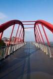 Meisha 10月东部深圳桥梁在云彩走 免版税库存图片