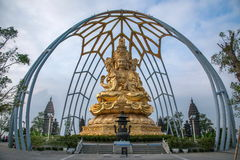 Meisha OCT East Shenzhen Huaxing Temple surrounded by golden Buddha Buddha sitting on lotus Royalty Free Stock Photos