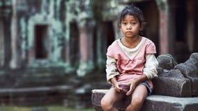 Meisje in Angkor Wat Stock Foto's