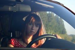 Meisje in auto 2 Stock Foto's