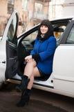 Meisje in auto Royalty-vrije Stock Afbeeldingen