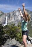 Meisje bij Dalingen Yosemite Stock Foto