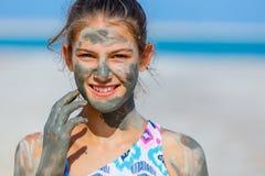 Meisje bij het Dode Overzees, Israël stock fotografie