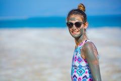 Meisje bij het Dode Overzees, Israël royalty-vrije stock afbeelding