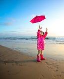 Meisje bij het strand Stock Foto