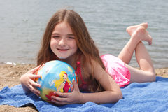 Meisje bij het strand Royalty-vrije Stock Foto's