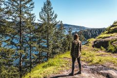 Meisje bij Steengroeverots in Noord-Vancouver, BC, Canada Royalty-vrije Stock Afbeeldingen