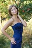 Meisje in blauwe kleding Stock Foto