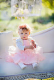 Meisje in bloesempark Royalty-vrije Stock Foto's