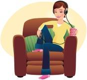 Meisje dat aan muziek luistert Royalty-vrije Stock Foto's