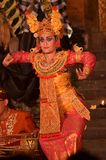 Meisje dat Barong-dans uitvoert stock afbeeldingen