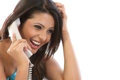 Meisje dat in de telefoon babbelt Royalty-vrije Stock Foto's