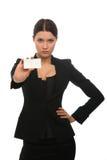 Meisje dat een adreskaartje houdt Stock Fotografie