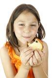 Meisje dat een plak van cake eet Royalty-vrije Stock Afbeelding