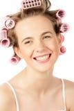 Meisje dat haarkrulspelden draagt Royalty-vrije Stock Afbeeldingen
