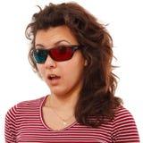 Meisje dat met 3d glazen wordt verrast Stock Foto