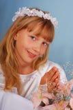 Meisje dat naar de eerste heilige kerkgemeenschap gaat Royalty-vrije Stock Foto