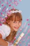 Meisje dat naar de eerste heilige kerkgemeenschap gaat Royalty-vrije Stock Afbeeldingen