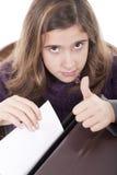 Meisje dat o.k. teken doet Stock Fotografie
