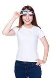 Meisje dat in witte t-shirt 3d glazen houdt Royalty-vrije Stock Afbeelding