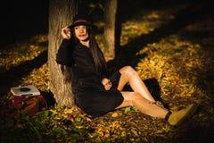 Meisje in de hoed Stock Foto's
