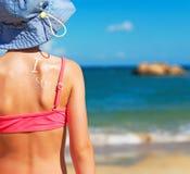 Meisje in de hoed van Panama Royalty-vrije Stock Afbeeldingen