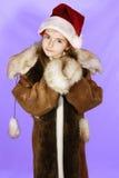 Meisje in de hoed van rode santa Stock Foto