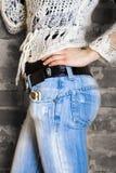 Meisje in de jeans stock foto's