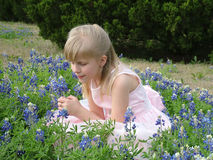 Meisje in de lente royalty-vrije stock afbeelding
