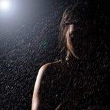 Meisje in de regen Stock Foto