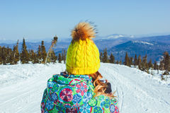 Meisje in de winter in de bergen Royalty-vrije Stock Foto
