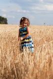 Meisje in de zomer sundress Stock Foto