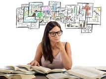 Meisje die academische onderwerpen bestuderen Royalty-vrije Stock Afbeelding