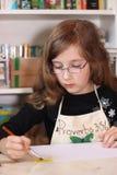 Meisje die een Beeld schilderen Royalty-vrije Stock Foto's