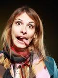 Meisje die grappige gezichten maken Stock Foto's