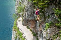 Meisje die in Oostenrijk beklimmen Stock Fotografie