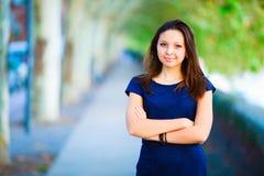 Meisje in een blauwe kleding Stock Foto