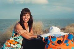 Meisje een gelukkige reiziger Stock Afbeelding