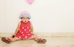 Meisje in een hoed stock fotografie