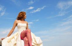 Meisje in een huwelijkskleding Royalty-vrije Stock Fotografie
