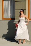 Meisje in een huwelijkskleding Royalty-vrije Stock Foto