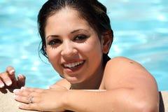 Meisje in een pool stock foto's